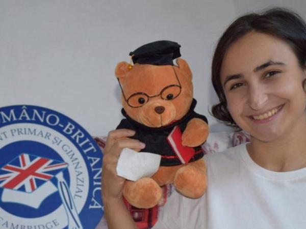 Cristina-Catană-Bucă-(foto),-preşedinta-Asociaţiei-Române-a-Tinerilor-cu-Iniţiativă-(ARTI),